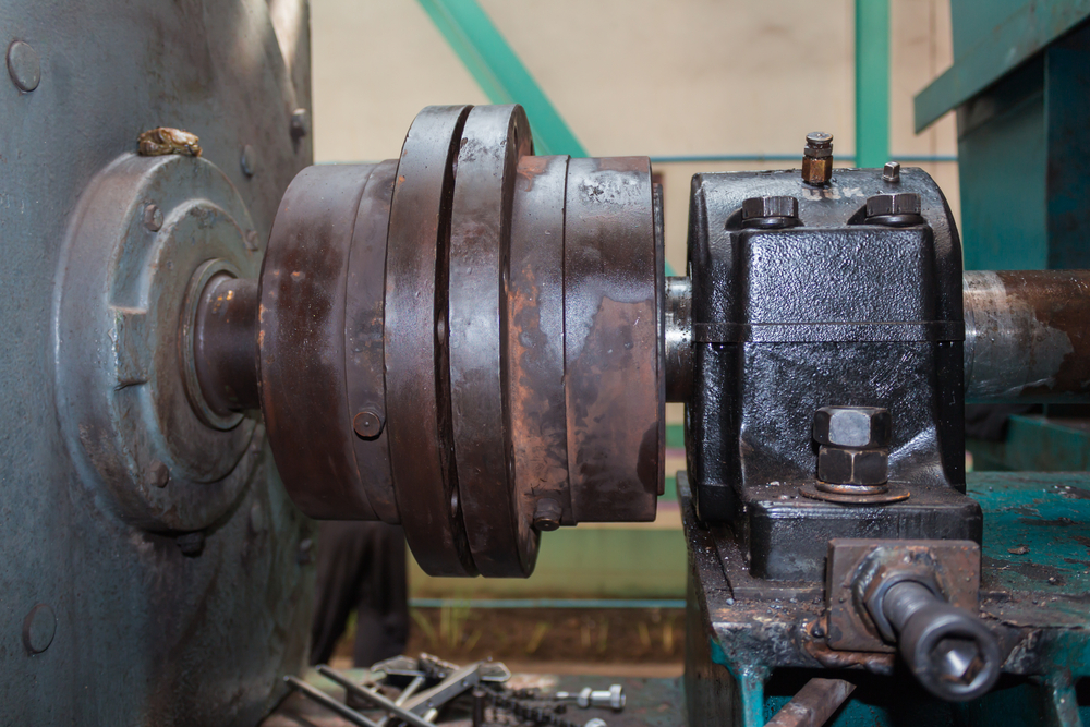Figure 5: Coupling with bearing and horizontal adjustment bolt.