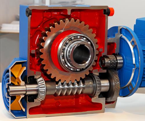 Figure 3. Gear train with worm gear system