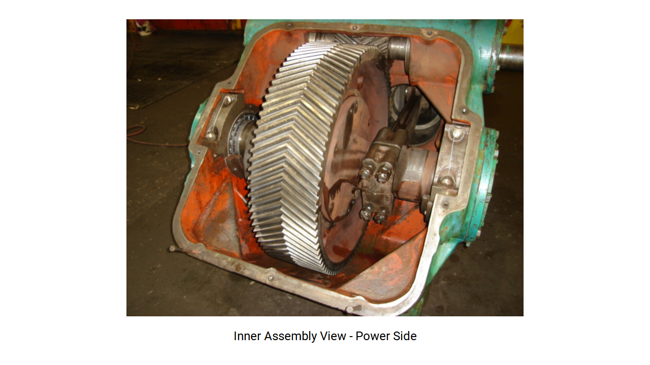 Figure 6: Internal view of the crankshaft area and the gearbox.